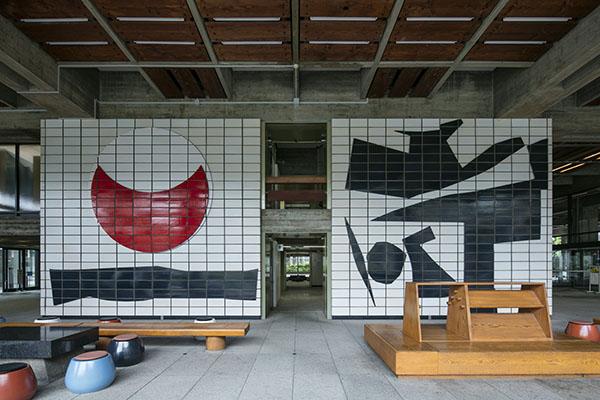 「アート天国」瀬戸内の秘密は香川県庁にありました!