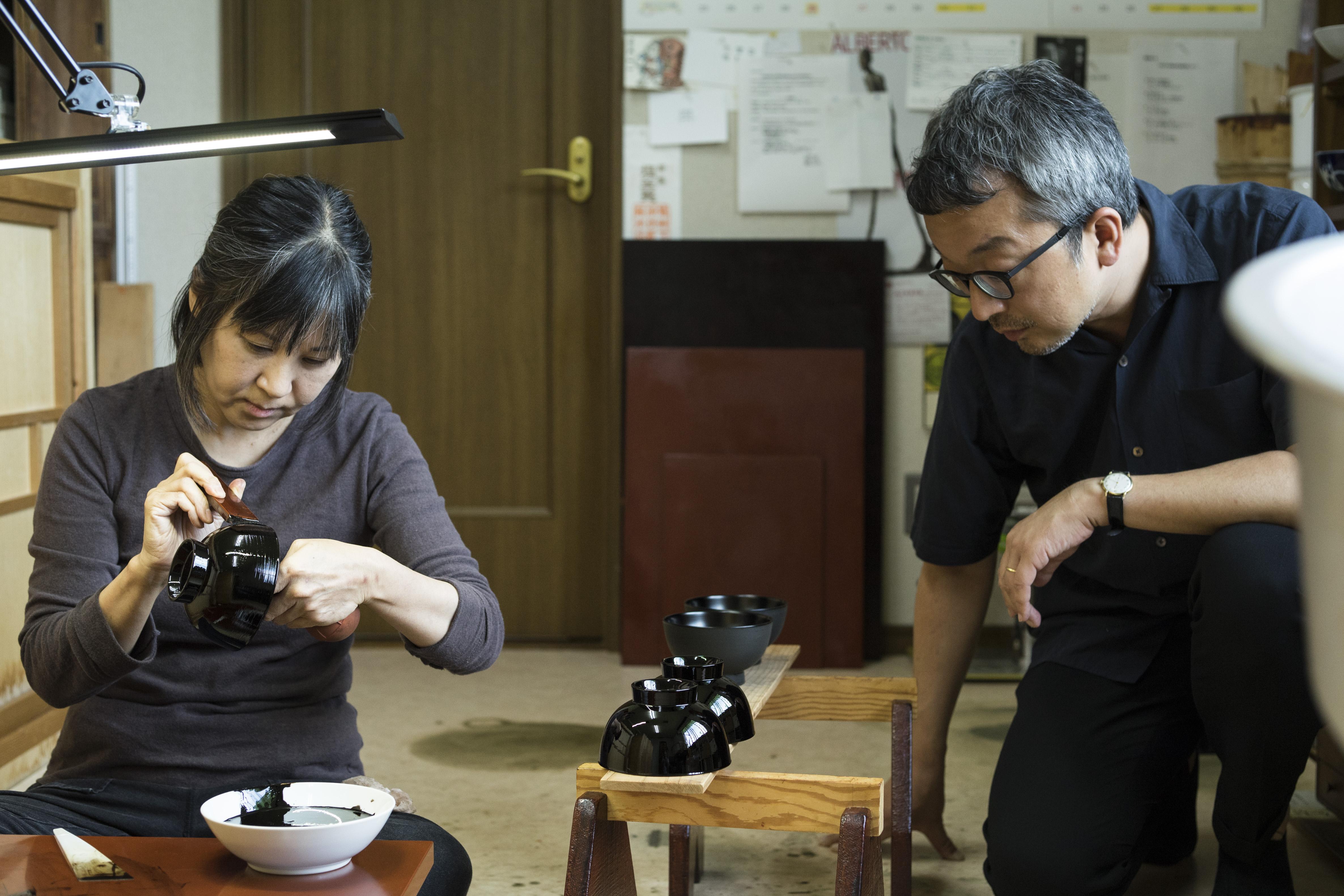 大熊健郎が巡る、日本の職人仕事「民藝」<br> 第2回/浄法寺塗・浅野奈生さんの工房で見た、日用品としての漆器