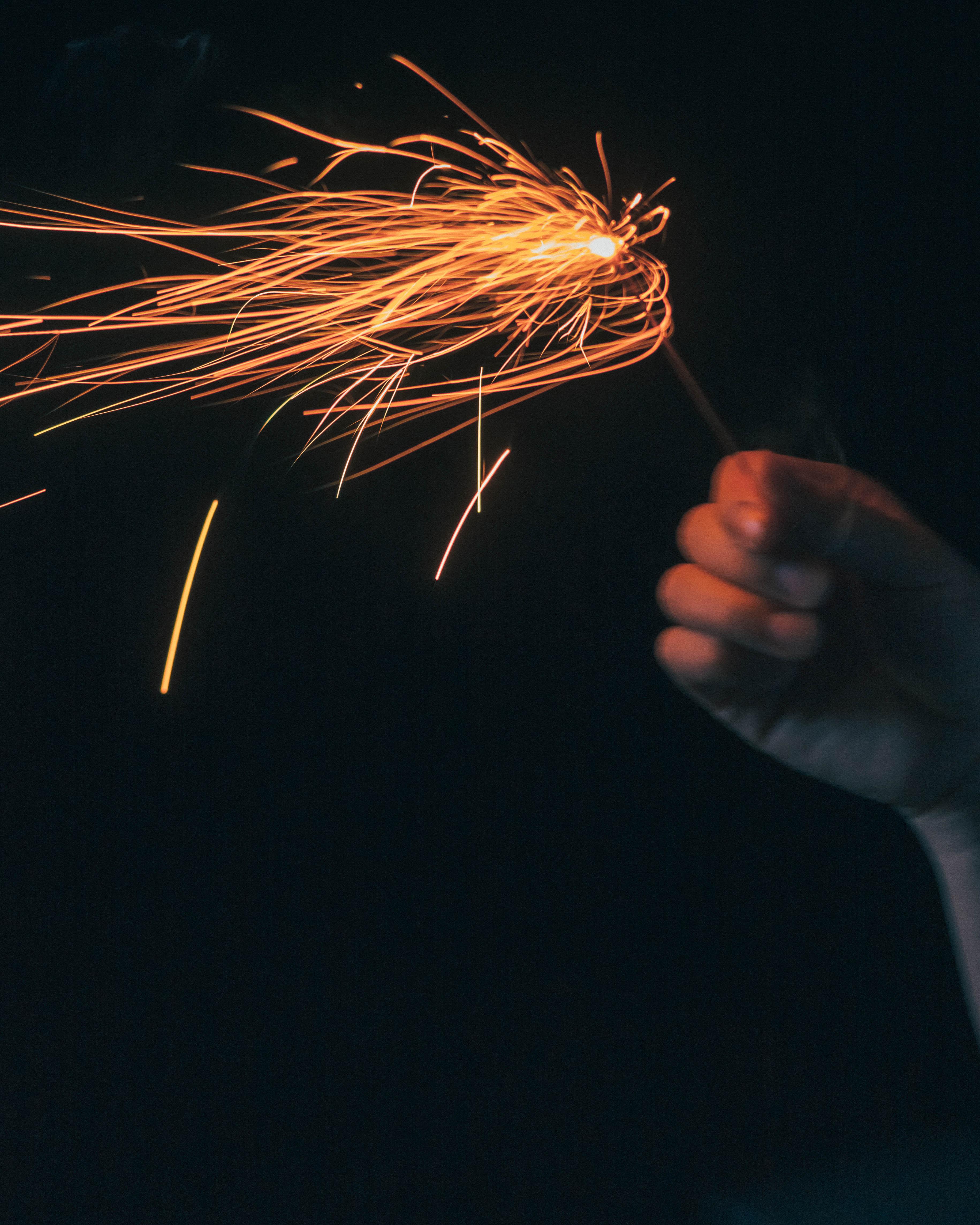 線香花火の一瞬に一生をかける<br/>魂よ、宿れ。(前編)