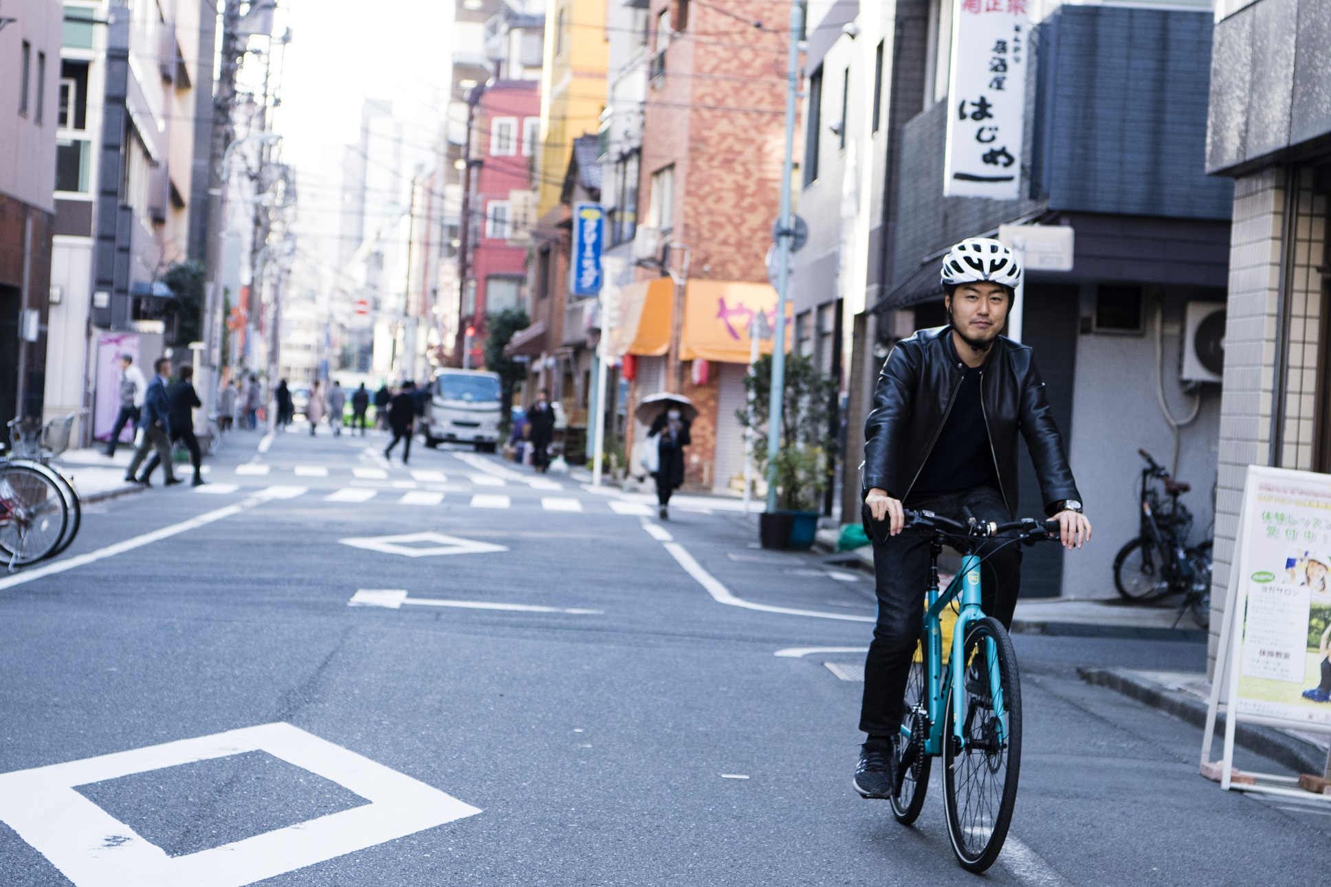 スポーツバイクで新旧の東京を「散走」