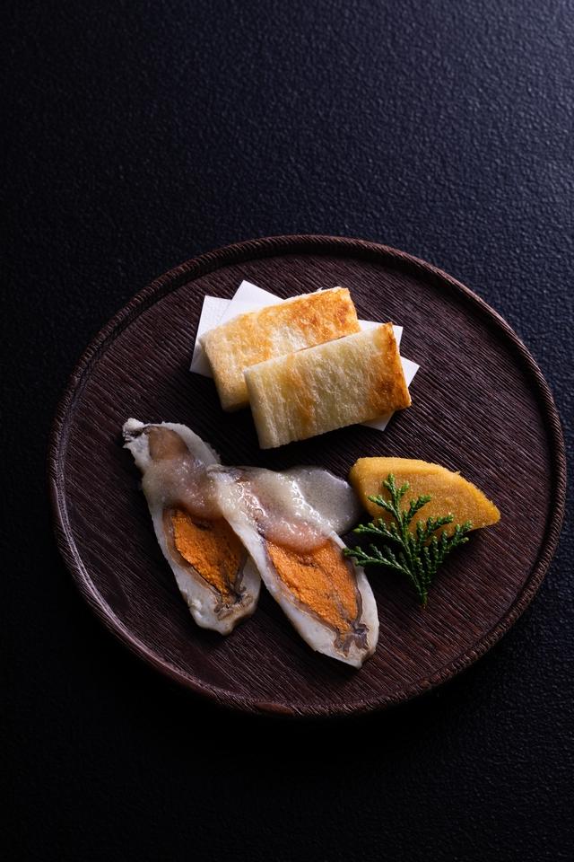 日本伝統の発酵食、究極の鮒鮓を訪ねて。『徳山鮓』