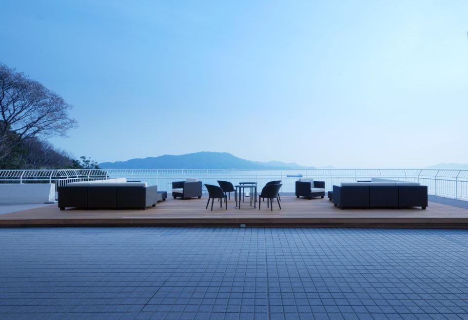 伊勢志摩地域を代表する名宿で<br/>紺青の海をパノラマで愉しむ