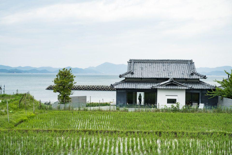 「ウミトタ」ミナ ペルホネン皆川明さんが手がける豊島で暮らし、アートを体感する宿<br>〈今年の夏は瀬戸芸へ!〉