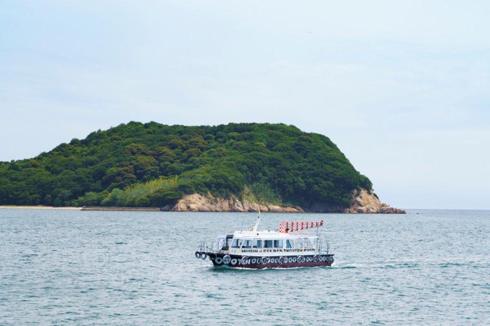 <b>〈今年の夏は瀬戸芸へ!〉瀬戸内の海底には、アートが眠っている!「粟島海洋記念館」</b>