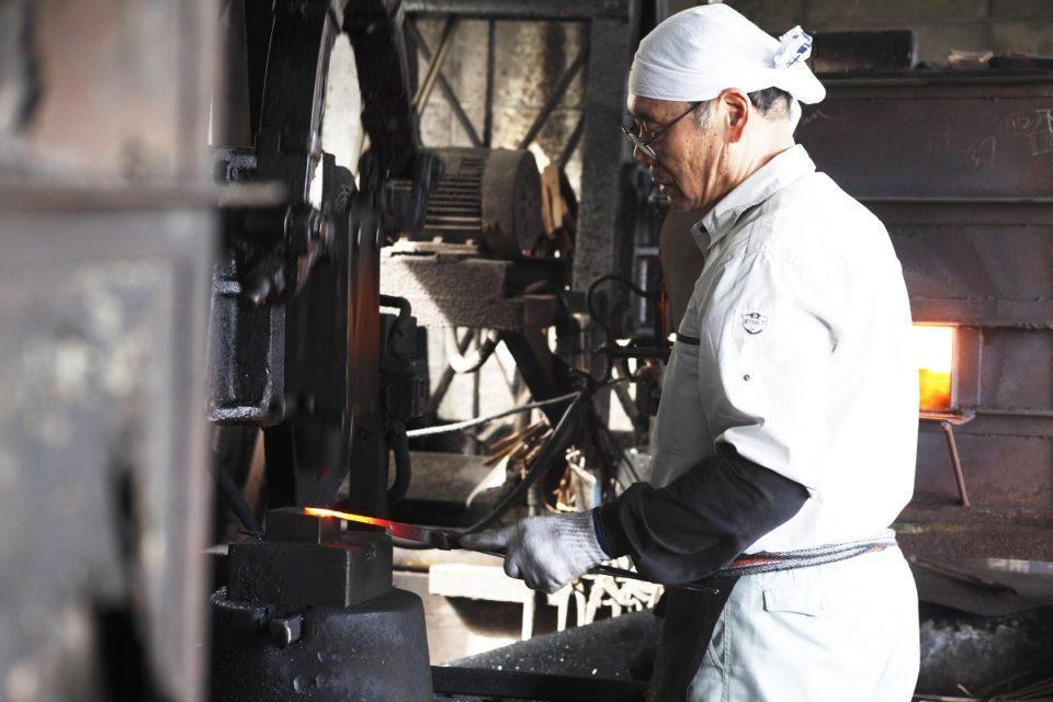 「種子鋏」鍛冶職人の卓越した技術が生んだ日本初のハサミに、種子島最先端のルーツあり!
