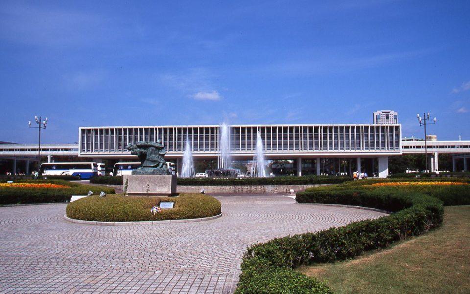 巨匠建築家の美術館建築クロニクル。<br>日本ミュージアム建築大全