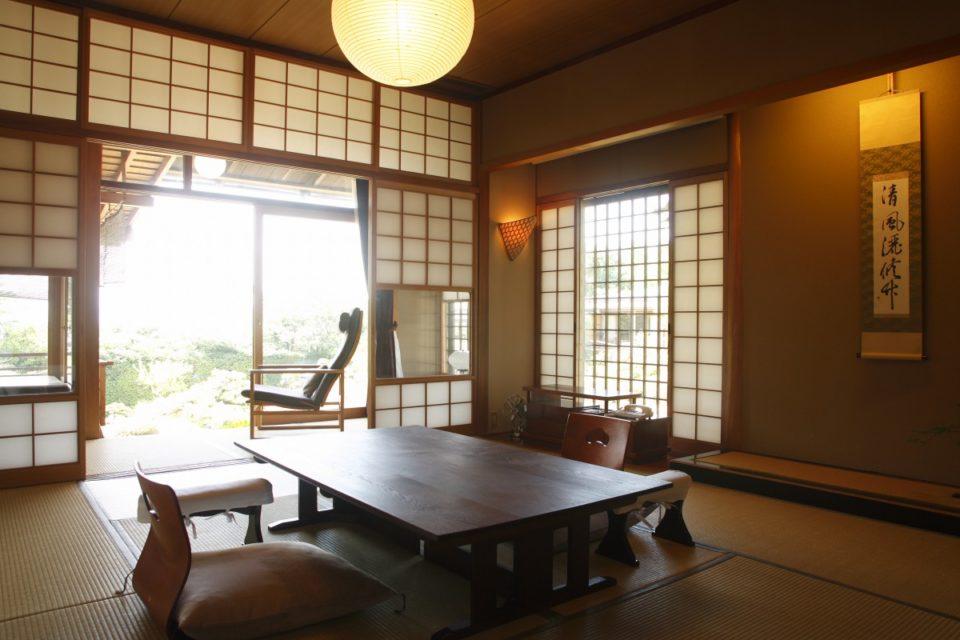 <b>日本庭園が主役の美意識が行き届いた日本旅館「庭園の宿 石亭」</b>