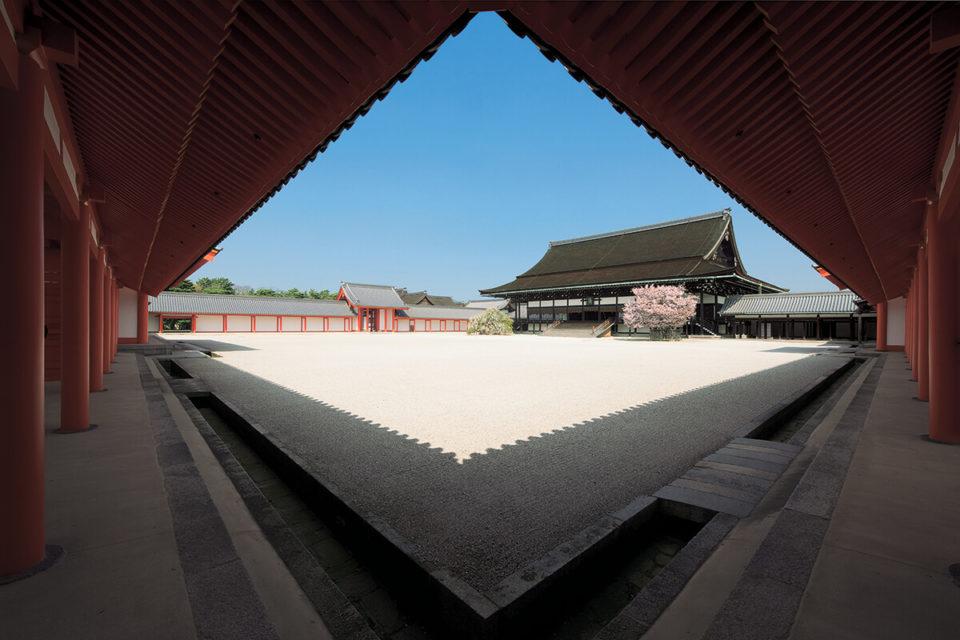<b>秋の皇室行事にむけて知っておきたい!</br>京都御所の基礎知識</b>