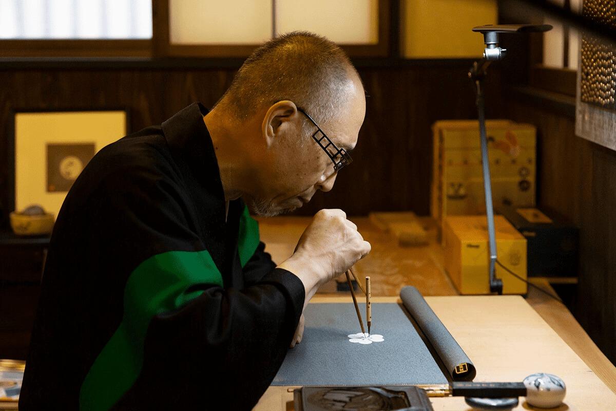 デザインとしての家紋が新しい価値をつくる。『京源』 紋章上繪師 波戸場承龍さん