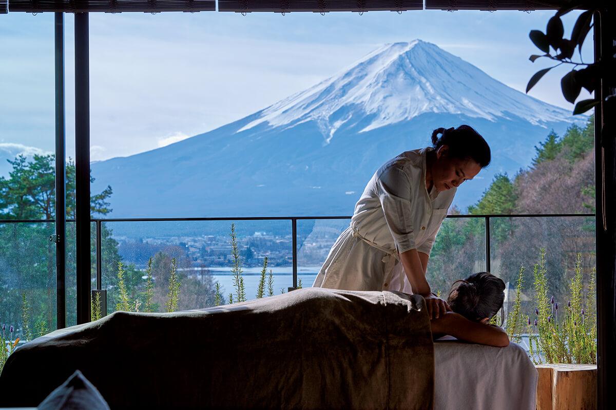 ふふ 河口湖で体験!</br><b>日本が誇る名峰・富士山を独り占め。</b>