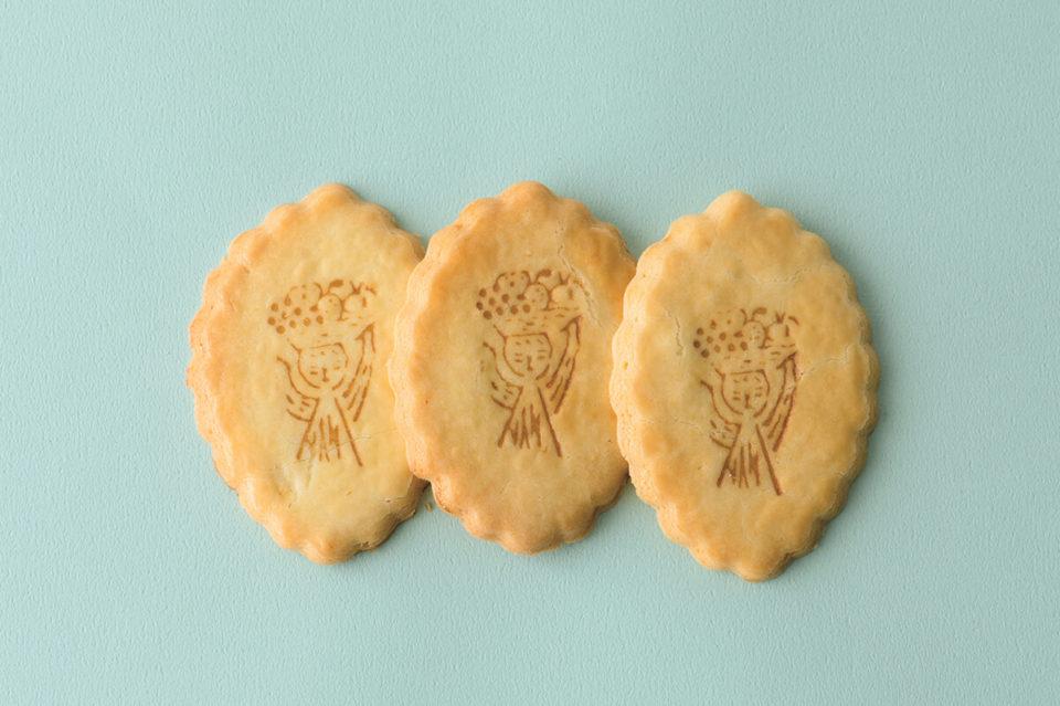 こけしの焼き印がかわいい『こけし屋サブレ』<br>福田里香の民芸お菓子巡礼