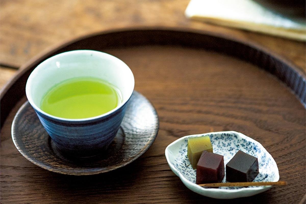 <b>美味しいお茶は急須で決まる「水野博司さんの急須」<br><small>高橋みどりの食卓の匂い</small>