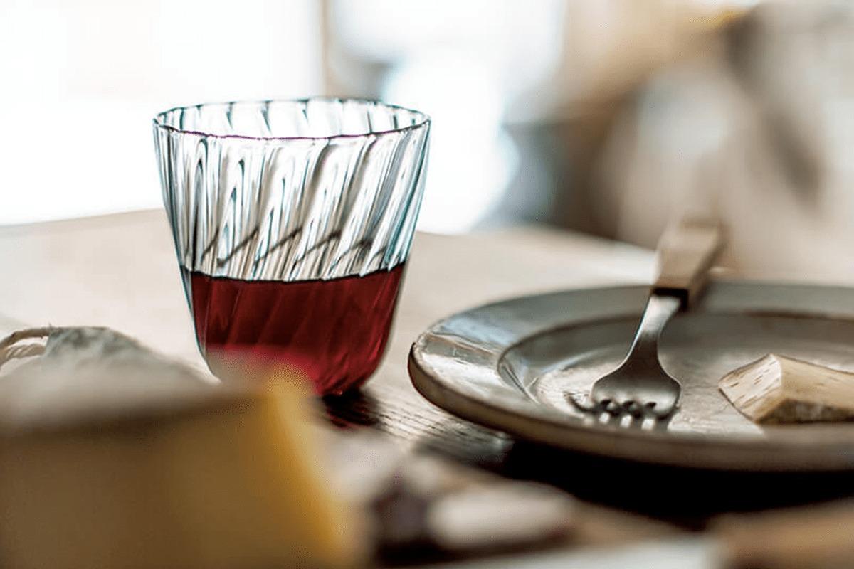 髙橋禎彦さんの<br>「いつものワインを格上げするグラス」<br><small>高橋みどりの食卓の匂い</small>