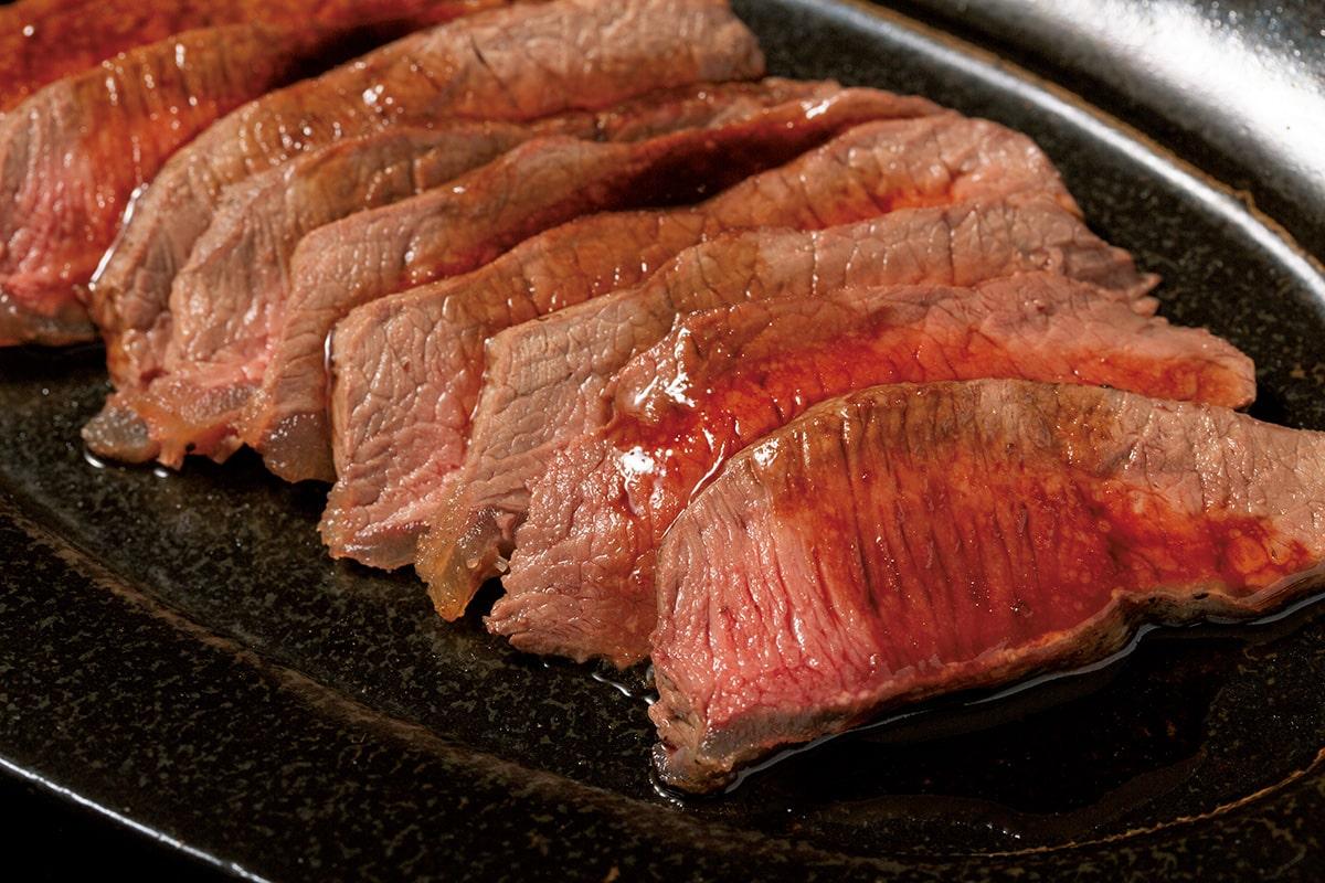 身が引き締まってしなやかな<br>猪鹿庵の「シカ ロース肉」<br><small>生産者からお取り寄せ。</small>