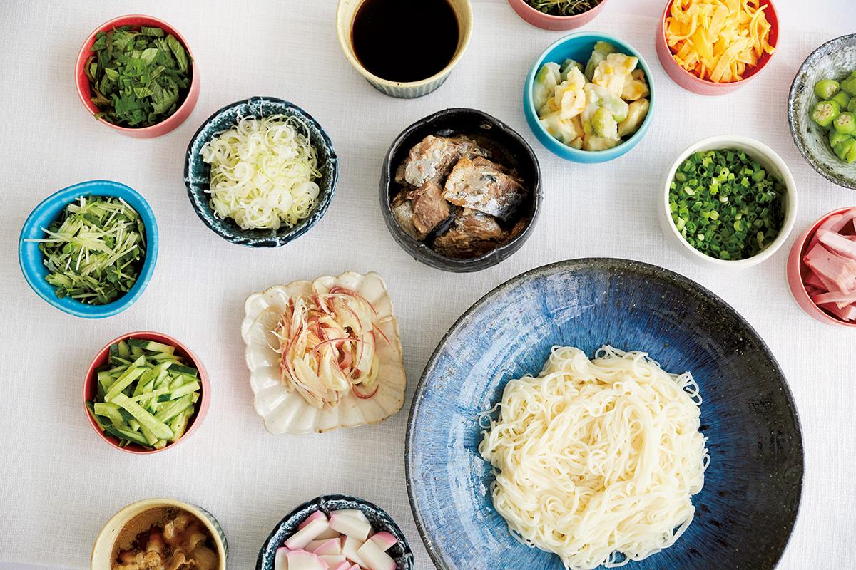多彩なうつわの魅力を楽しむならそうめん料理がぴったり!<br><small>うつわで料理を楽しくするもりつけのデザイン。<small>