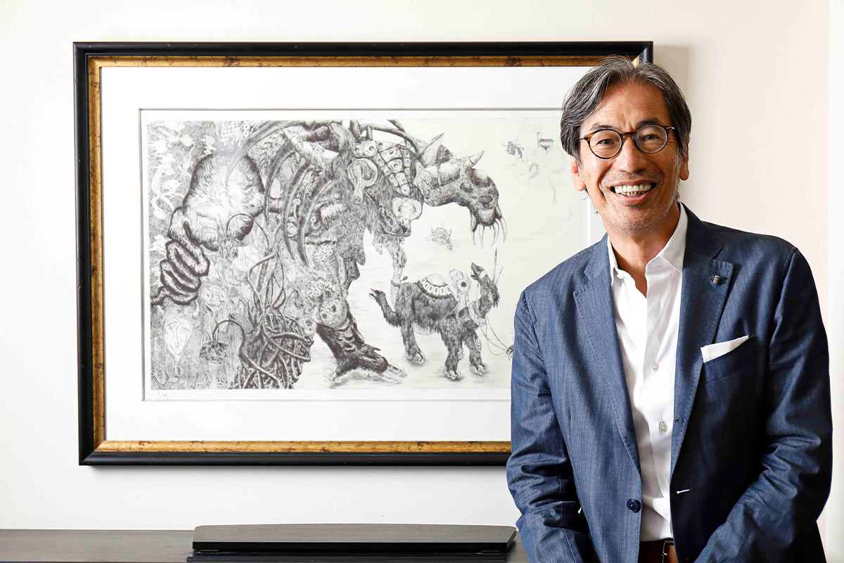 小松美羽作品、最初のコレクター<br>齋藤峰明(シーナリーインターナショナル代表)