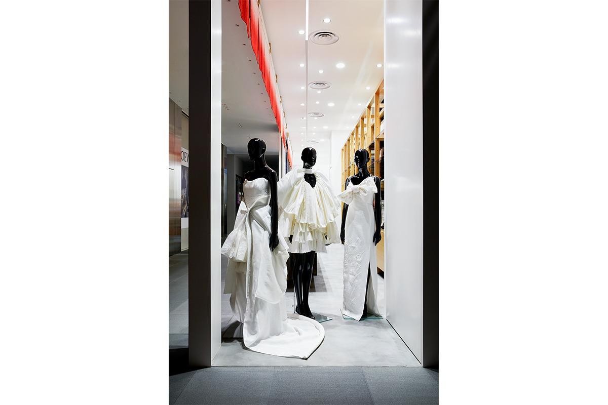 創設300年「丹後ちりめん」の美と技が詰まった、ドレスの全貌