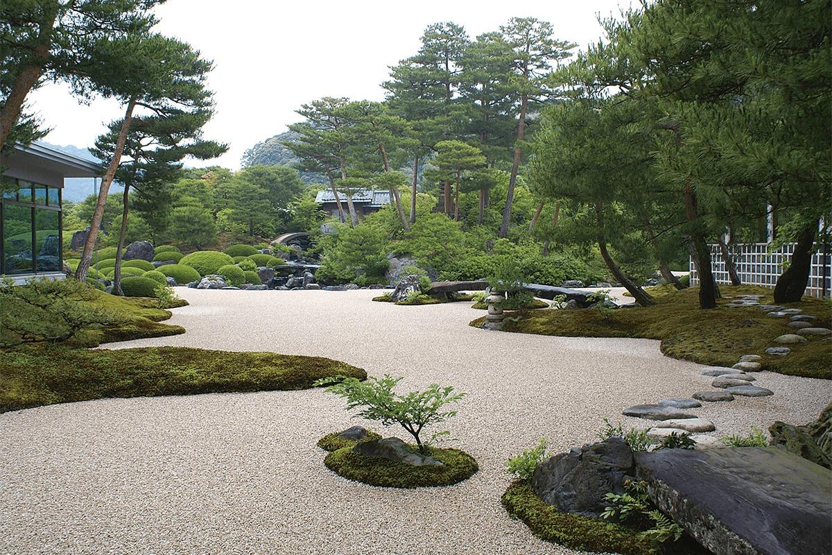 足立美術館の日本庭園が18年連続日本一を達成!