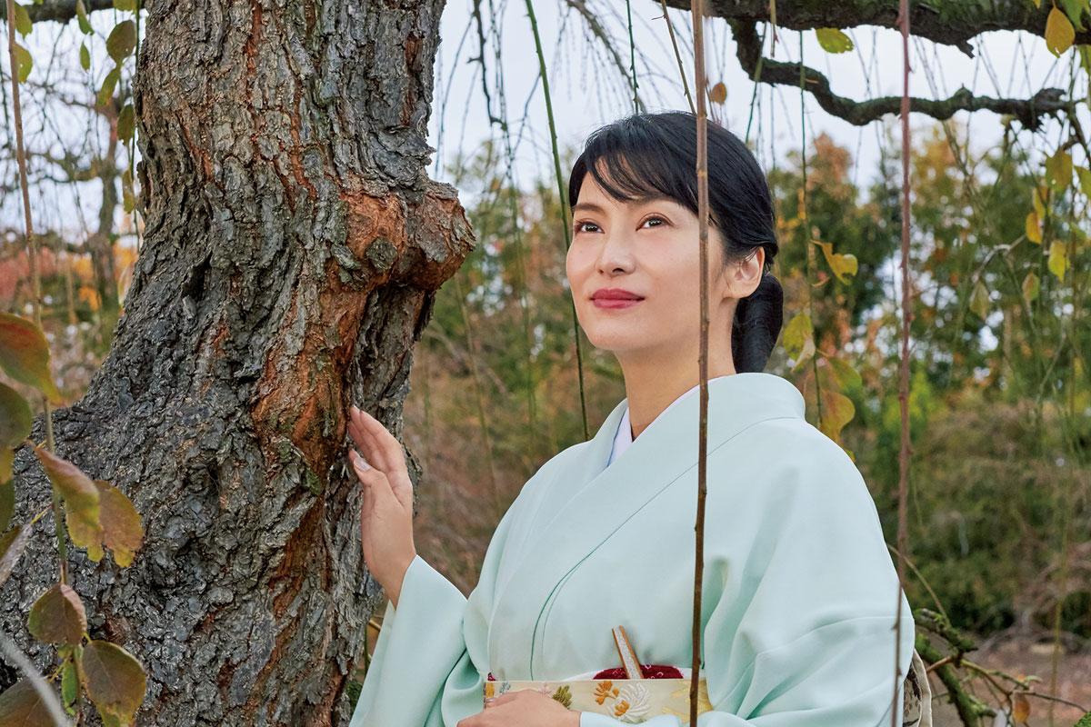 女優・柴咲コウが訪ねる、日本の美のルーツ<br>梅と日本人