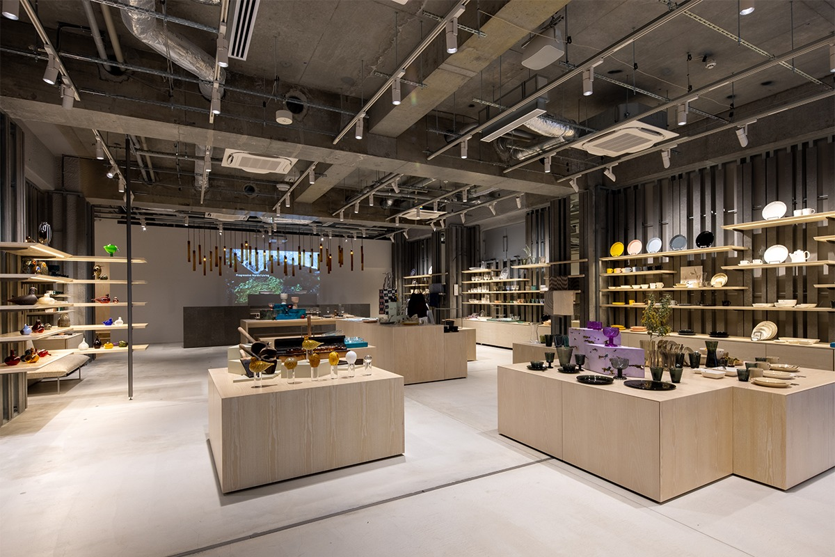 隈研吾氏デザインで、世界初のイッタラカフェ併設直営店「イッタラ表参道 ストア&カフェ」がオープン!