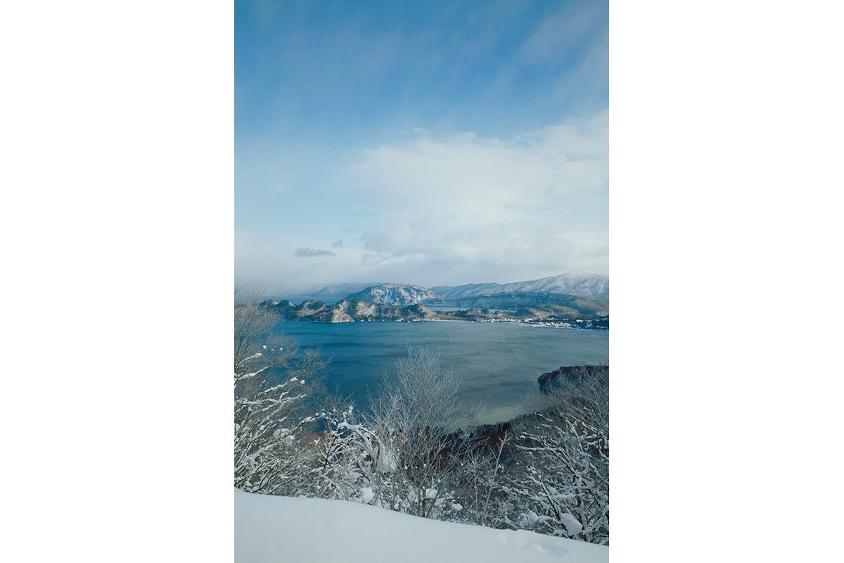 十和田湖のワーケーションは、仕事も遊びも、必然だった<br><small>ゲストハウス yamaju/Towadako Guidehouse 櫂</small>