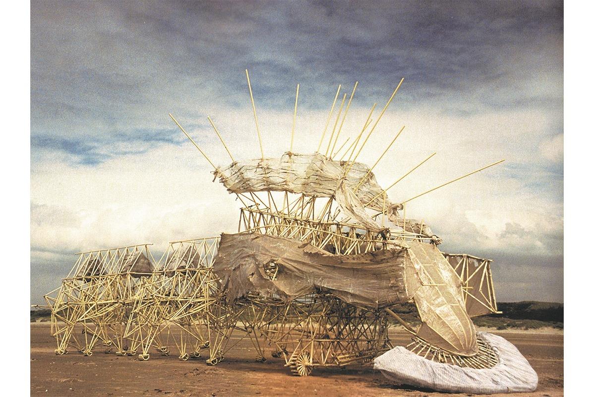 現代のレオナルド・ダ・ヴィンチと称されるアーティストの展覧会「テオ・ヤンセン展」