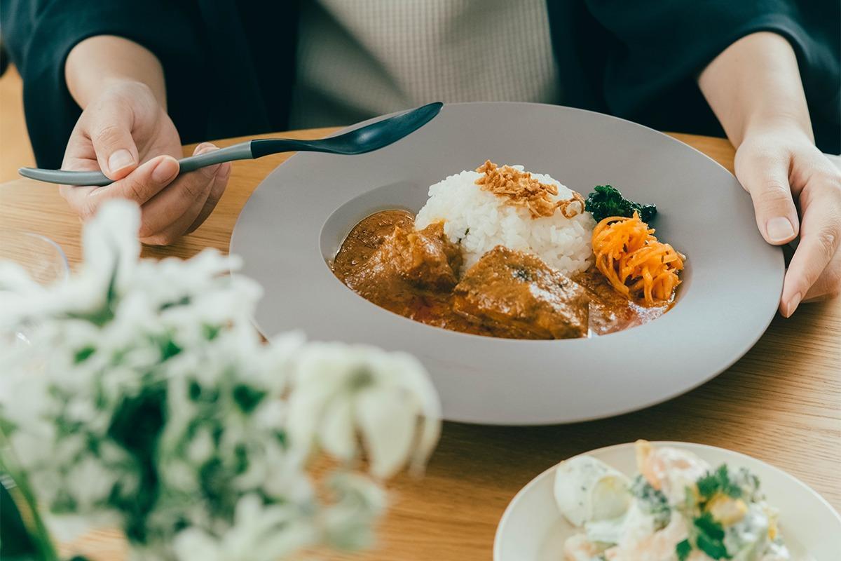 料理を引き立て、環境にもやさしい石川樹脂工業の食器ブランド「ARAS」