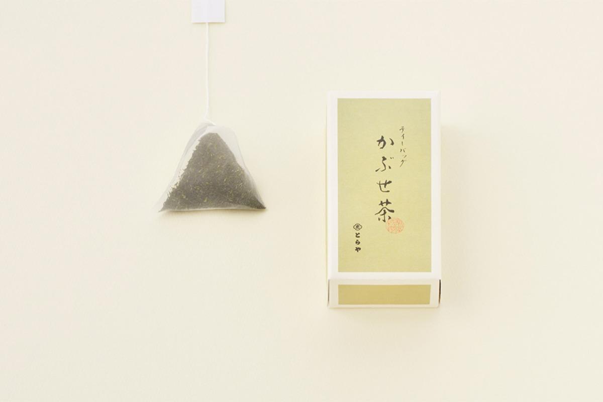 とらやから新緑の季節におすすめの「宇治茶」と「和菓子」が登場