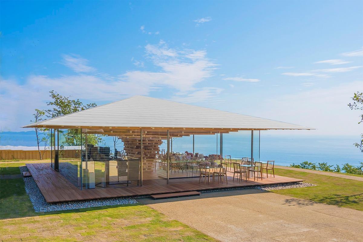 熱海の眺望を独り占め!建築家 隈研吾デザインの1日1組限定カフェ「コエダハウス」