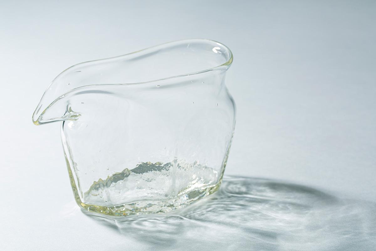 安土草多|ガラス作家<br> <small>≪日本の夏に涼を運ぶガラスのうつわ≫</small>