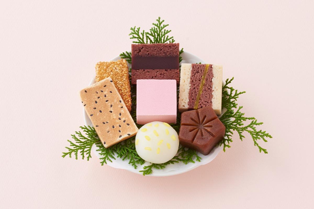 """6月16日は「和菓子の日」。とらやが""""厄除招福""""を願うお菓子を販売"""