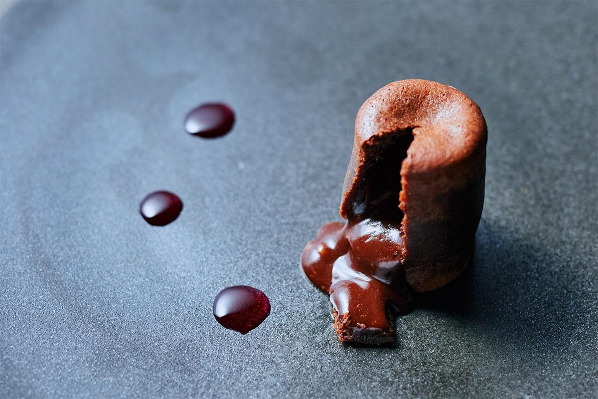 """鎌倉のガストロノミーレストラン「ROBB」。生チョコレートブランドが生み出す""""カカオ料理""""とは"""