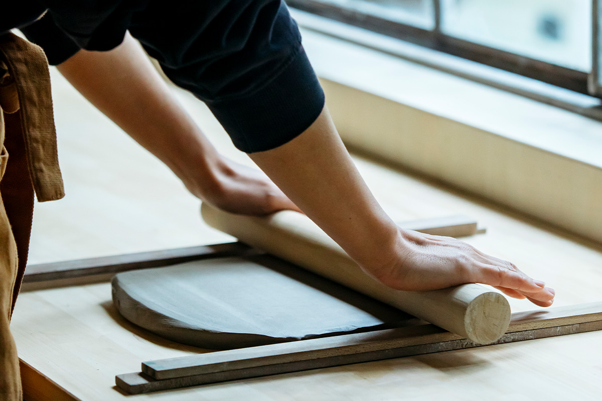 京都・清水焼団地町<br><TOKINOHA Ceramic Studio><br><small>うつわを五感で楽しむ!新感覚の体験型陶芸スタジオ</small>