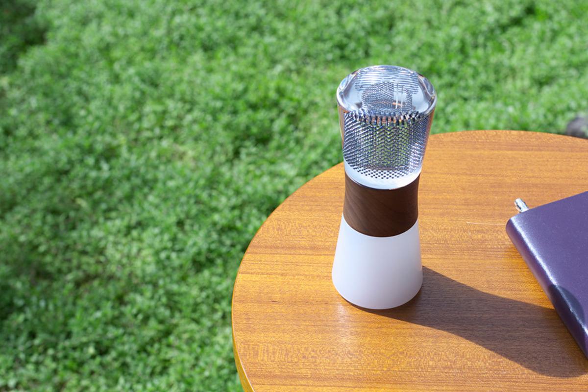 球状太陽光電池を使用した<br>ユニークなプロダクトブランド「SP&H」<br><small>京都の光半導体メーカー×大阪のクリエイティブ集団</small>