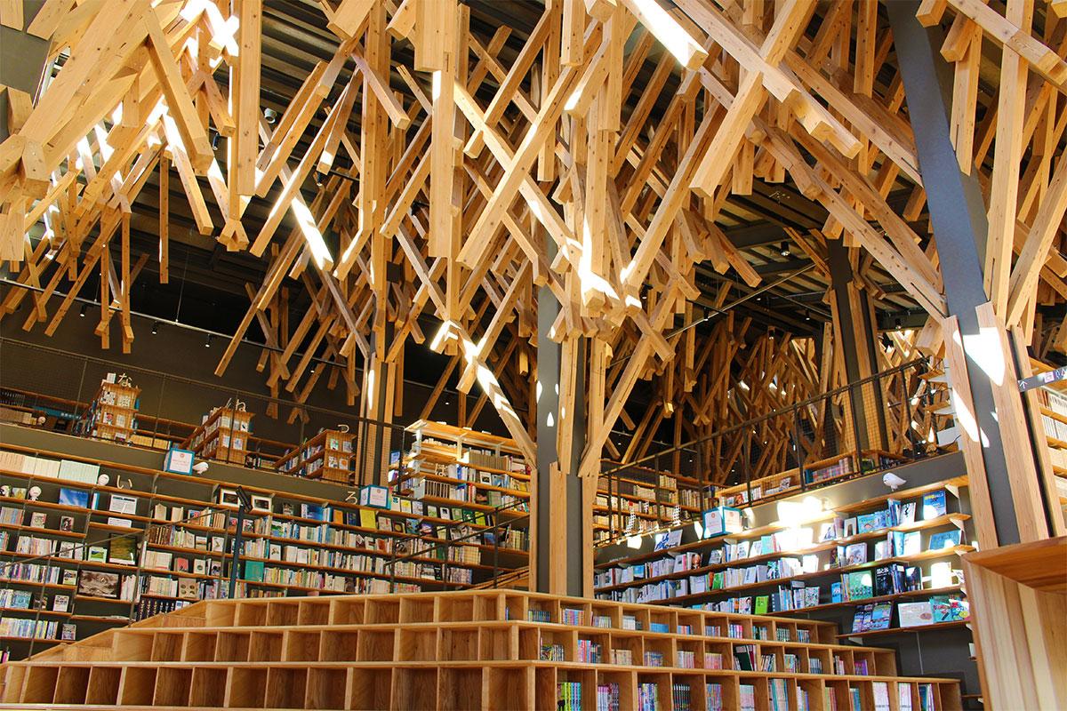 <small>高知・梼原町「隈研吾の小さなミュージアム」</small><br>隈研吾の木造建築は、小さな町から始まりました。後編