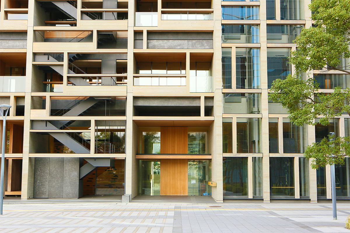 <small>東京・新木場「木材会館」</small><br>木の強さ、美しさ、優しさを体現した、木材需要拡大のホームグラウンド