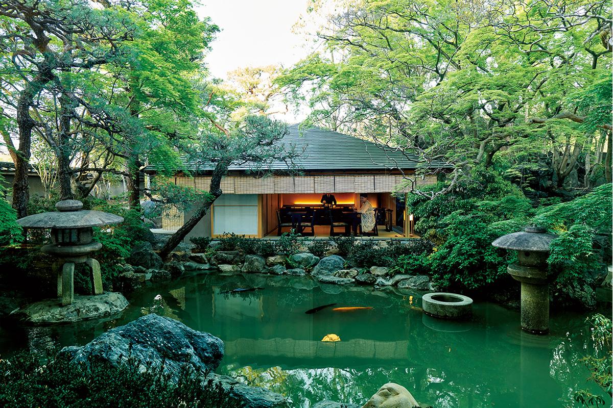 <small>「ふふ 京都」</small><br>古都にひそやかに誕生した、<br>佳麗幽雅なる和のリゾート【前編】